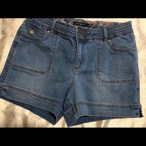 Jean shorts (never worn)